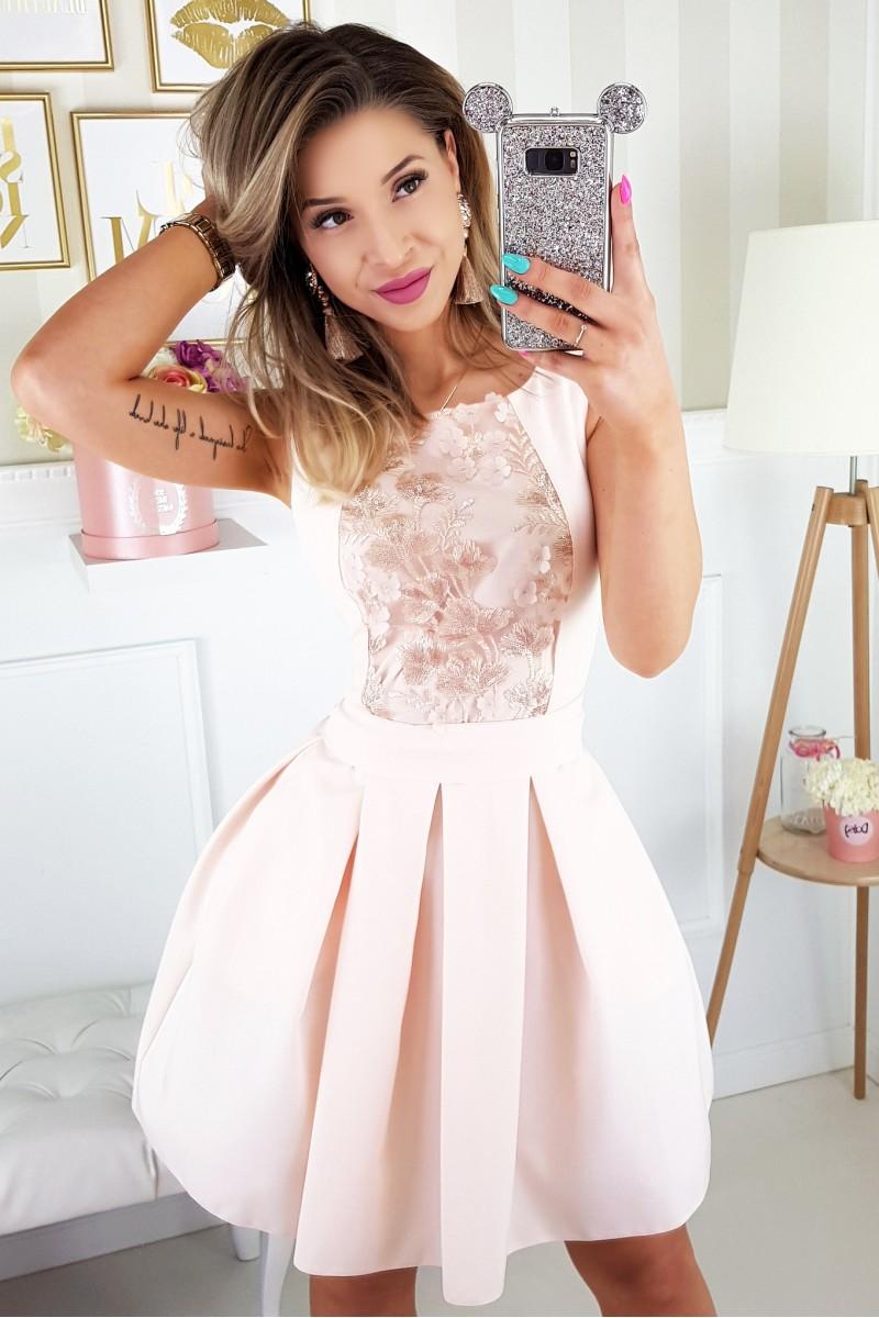 Dámské krátké koktejlky se skládanou sukní 9065e60397