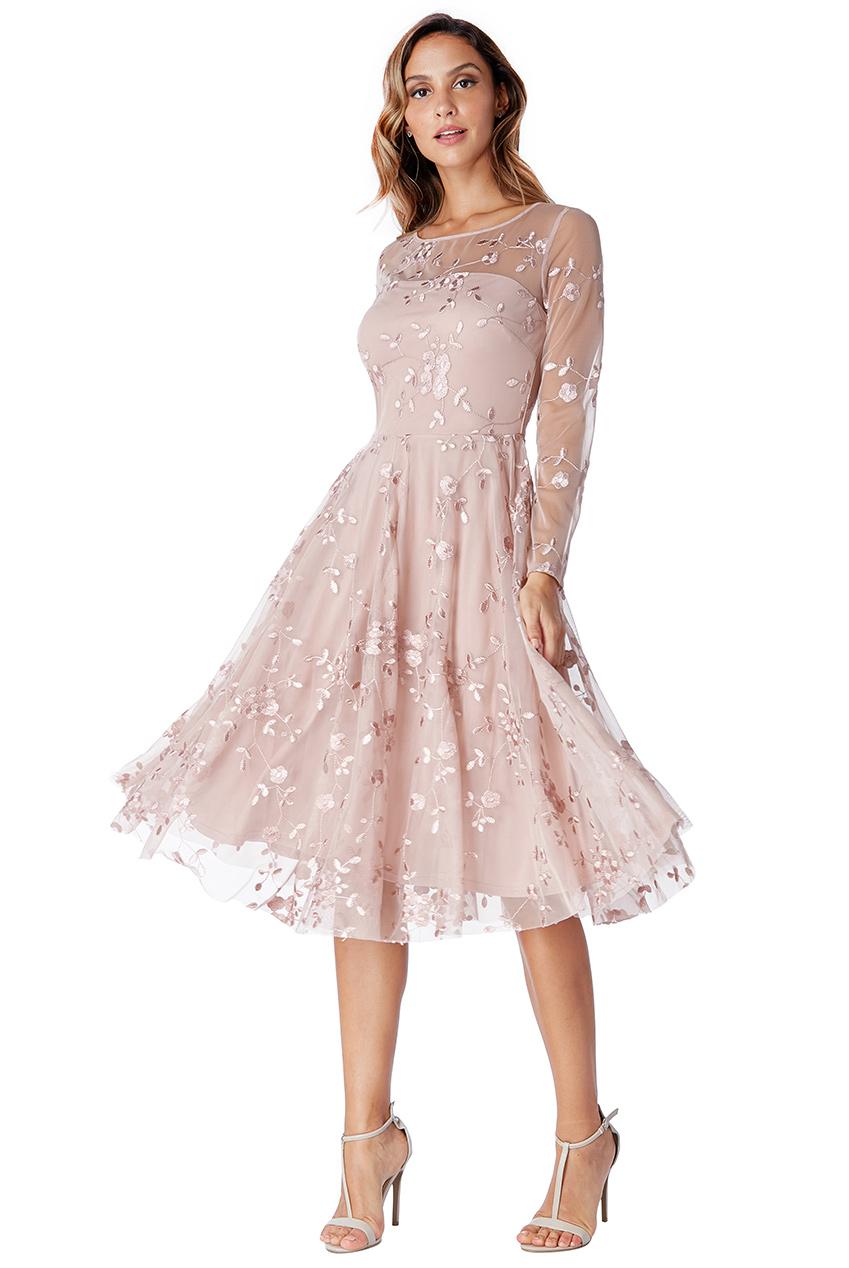 3f872539a53f Dámské krátké společenské šaty