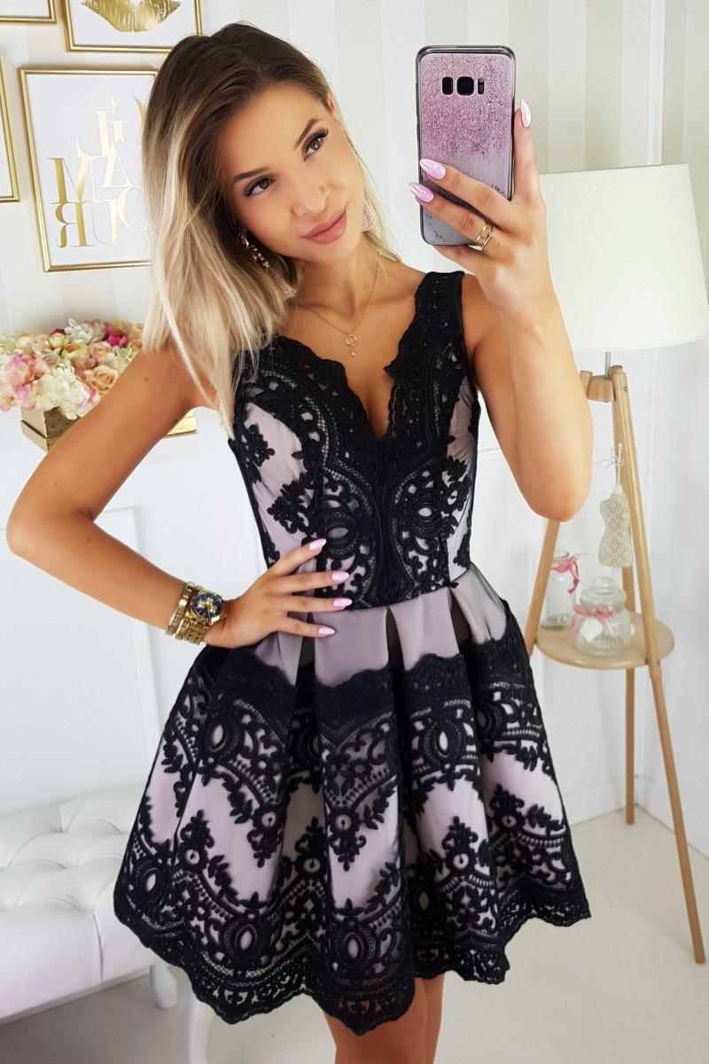 3d258931ef8 Dámské koktejlové šaty s krajkou