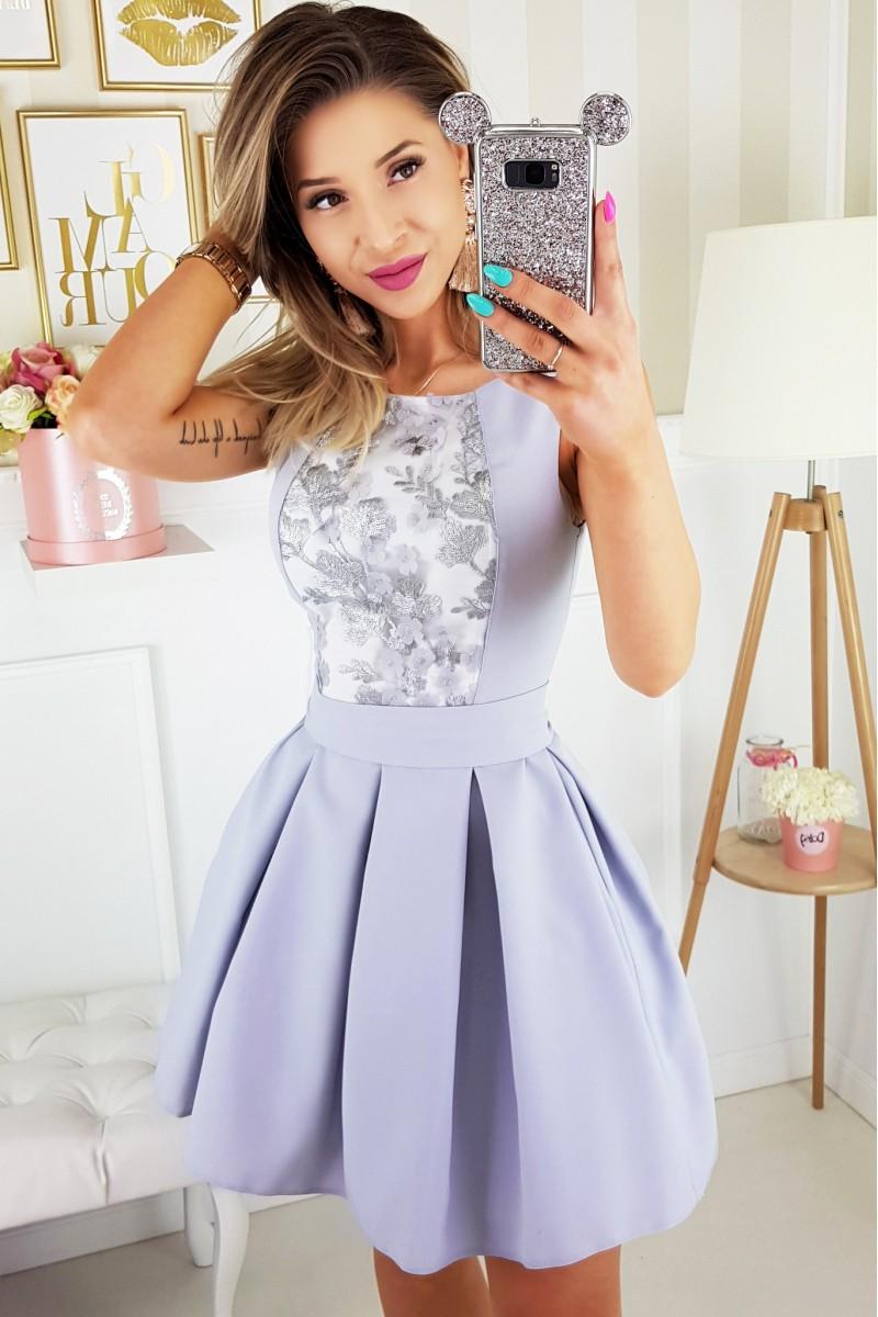 Dámské společenské šaty se skládanou sukní f48ec0f81c