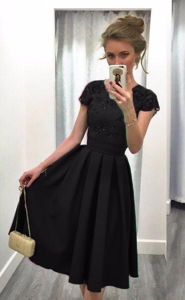 025de7e244c2 Dámské saténové šaty s krajkou